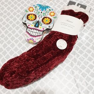 Accessories - Plush slipper socks